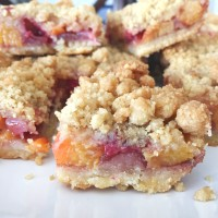 Strawberry Peach Crumble Bars