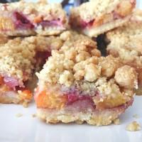 Strawberry Peach Crumble Bars